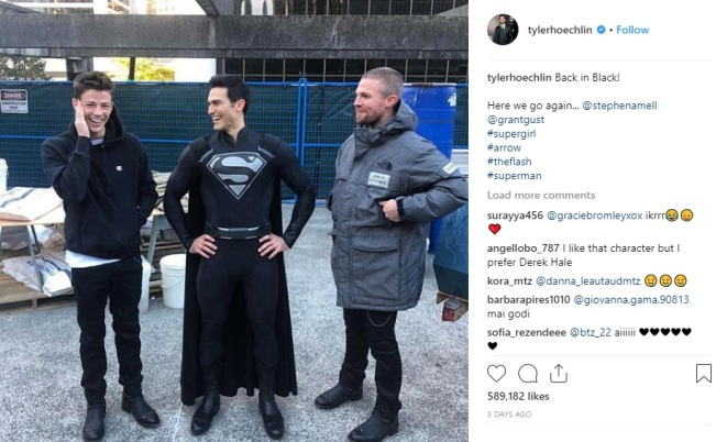Superman Tyler Hoechlin black costume