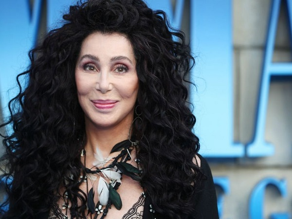 Cher Announces 2019 Uk Tour It S A Stampede